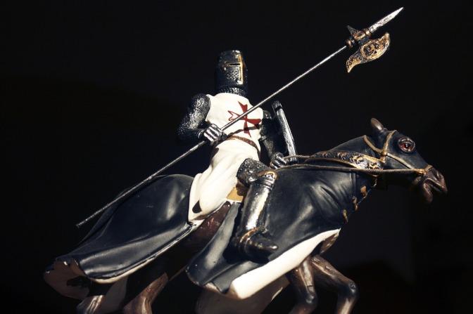 knight-1526945_1280.jpg