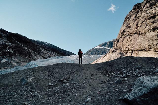 glacier-tongue-984520_640
