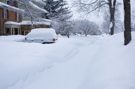 deep-snow-554956_640